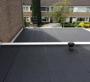 Nieuwe bitumen dakbedekking